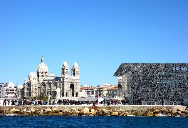 Où installer ses bureaux pour 1000 € par mois à Lille et Marseille ?