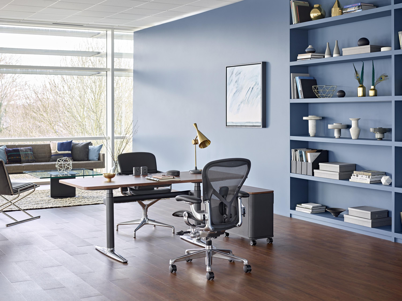 S'abonner à son mobilier plutôt que de l'acheter : la nouvelle proposition d'Adopte Un Bureau